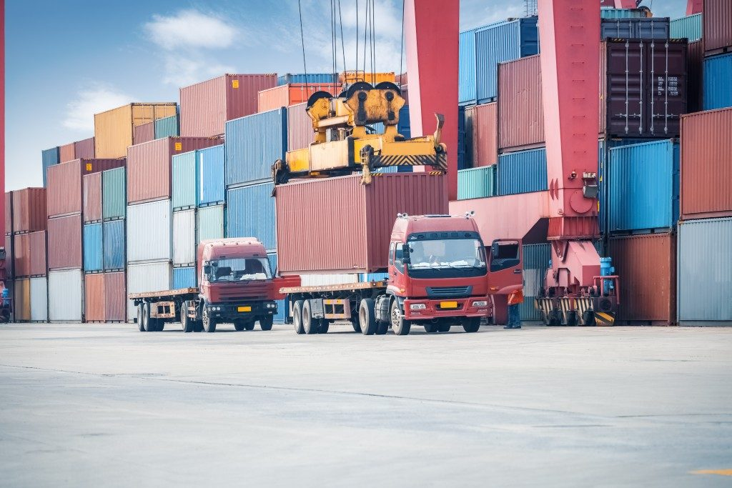 Containers and freight trucks